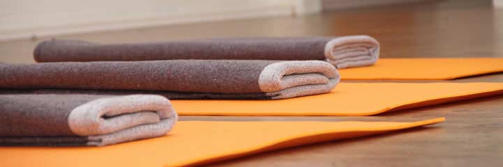 Online-Yoga: Basic am Montagabend